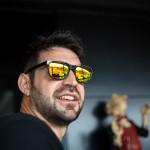 Sonrisa con gafas de sol