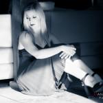 Sentada en el suelo