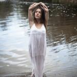 Dama del río