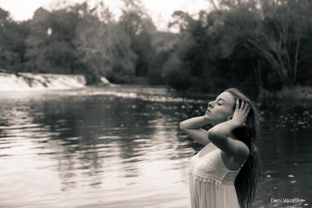 Sandra en el río