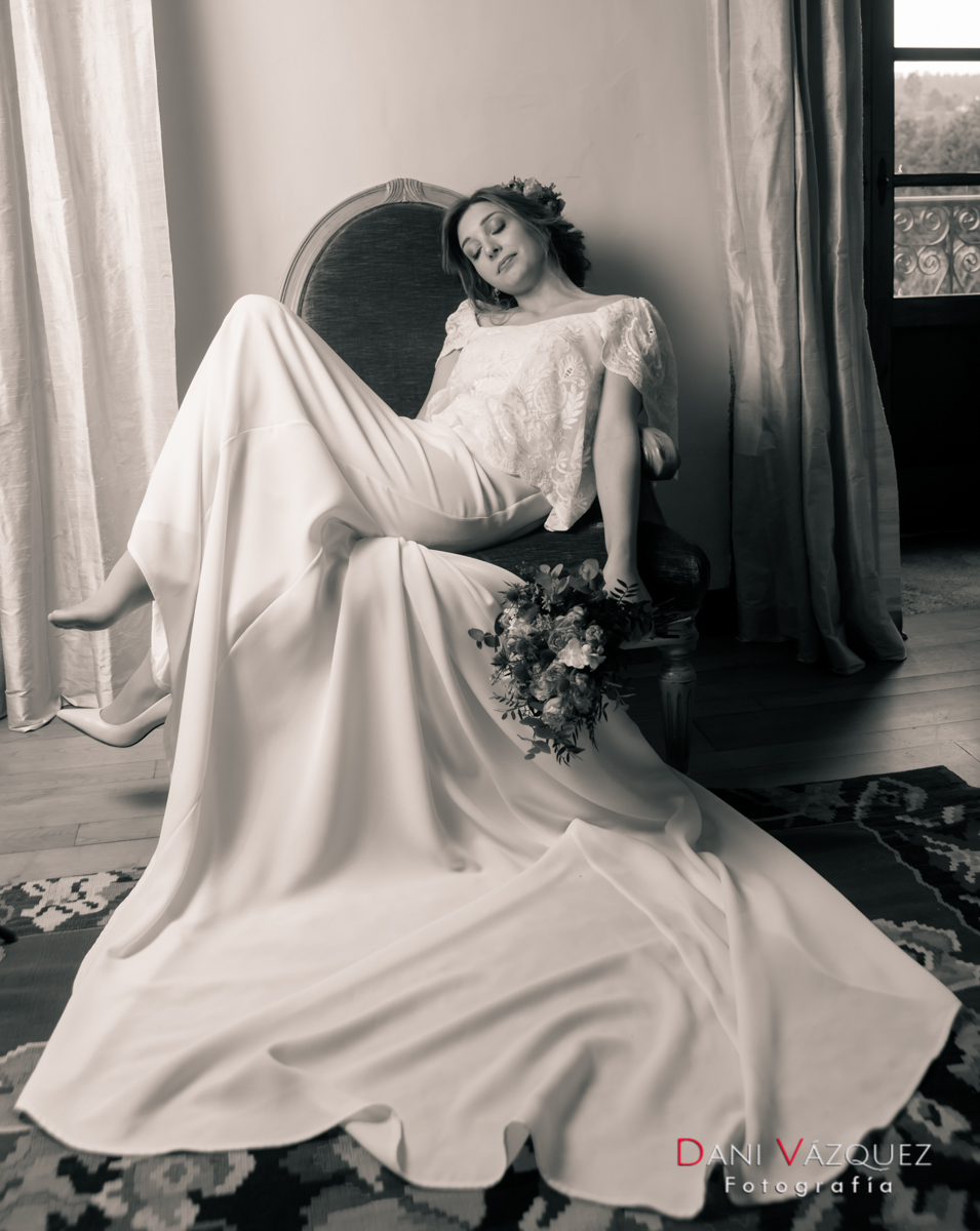 En el sillón con vestido de Bouret