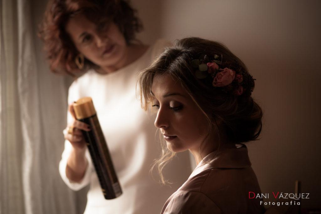 Peinando a la novia