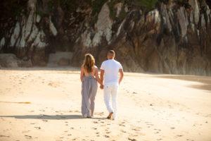 Paseo por la playa de Balcobo al atardecer