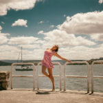 Modelo en el puerto de Sada