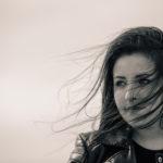 Retrato con viento