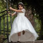 Corriendo con el vestido de comunión