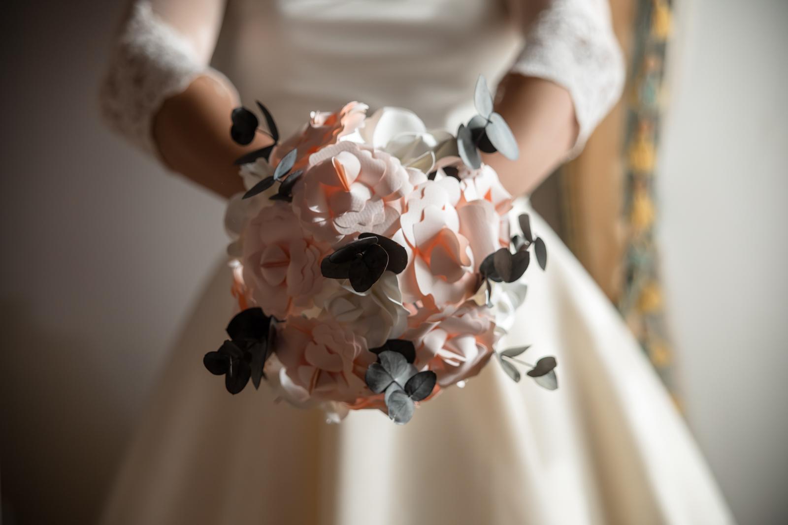 Ramo de novia de anaquiños de papel