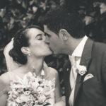 Beso novios en su boda
