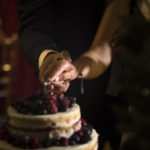 Cortando la tarta nupcial