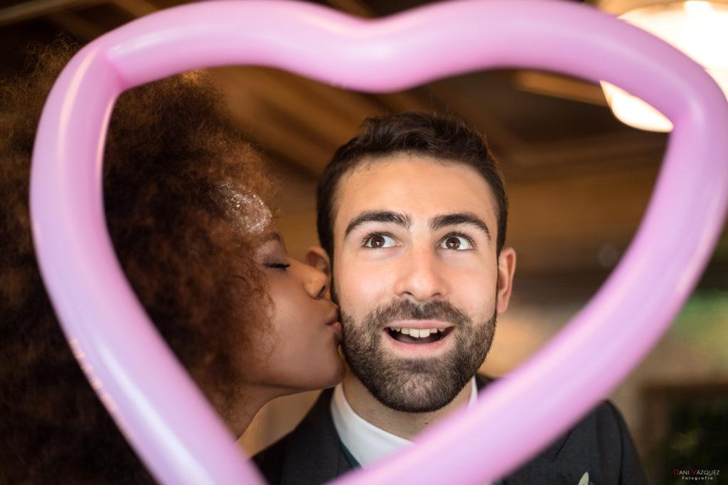 Beso de la novia al novio