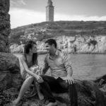 En la playa con la Torre de Hercules al fondo