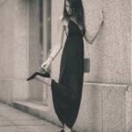 Chica en tacones altos