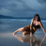 Vestido mojado en la arena