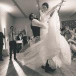 Fotografo bodas en el baile y la fiesta