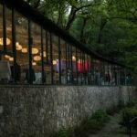 Salón pazo do Faramello por la noche