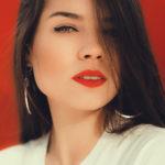 Retrato labios rojos