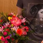 Ramo de novia y camiseta de princesa Leia