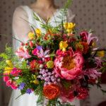 Espectacular y colorido ramo de novia