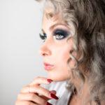 Modelo en estudio de maquillaje en Coruña